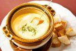 バーベキューはチーズフォンデュでオシャレ!簡単な作り方や飾り付け